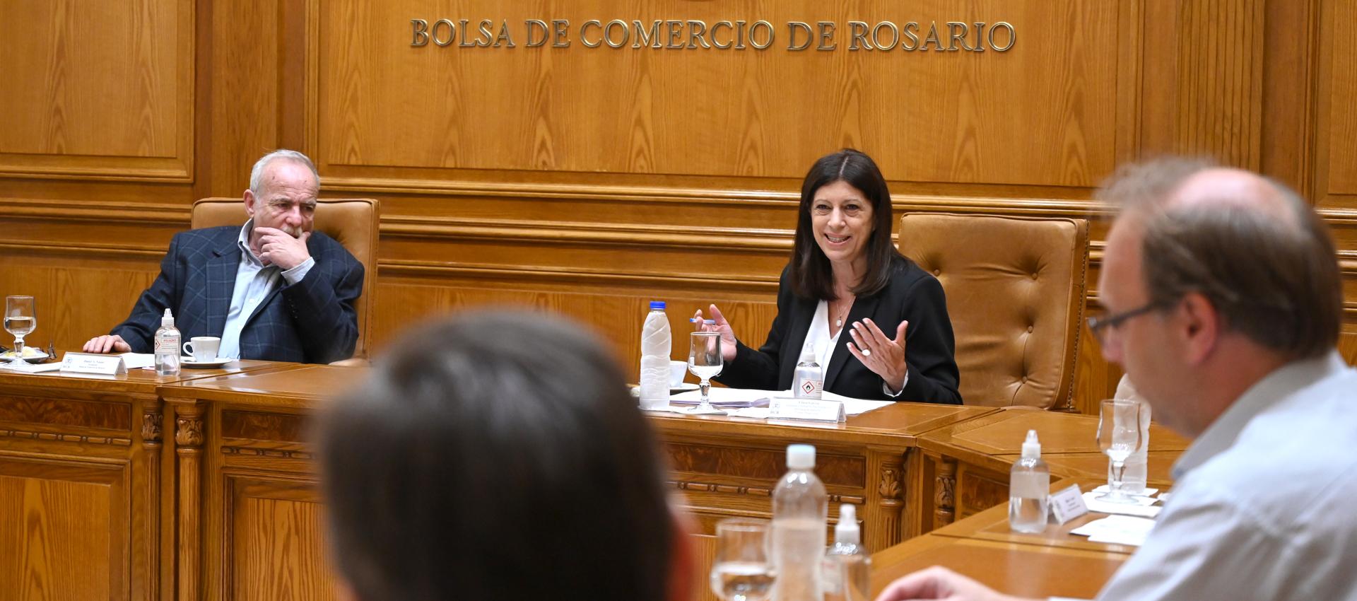 """Clara García: """"Nuestra presencia en el Senado garantiza la defensa de Santa Fe y su producción"""""""